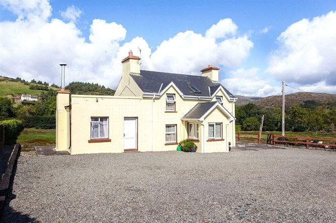 Main image for Snave Farmhouse, Ballylickey, Bantry, Co. Cork, P75 YT93