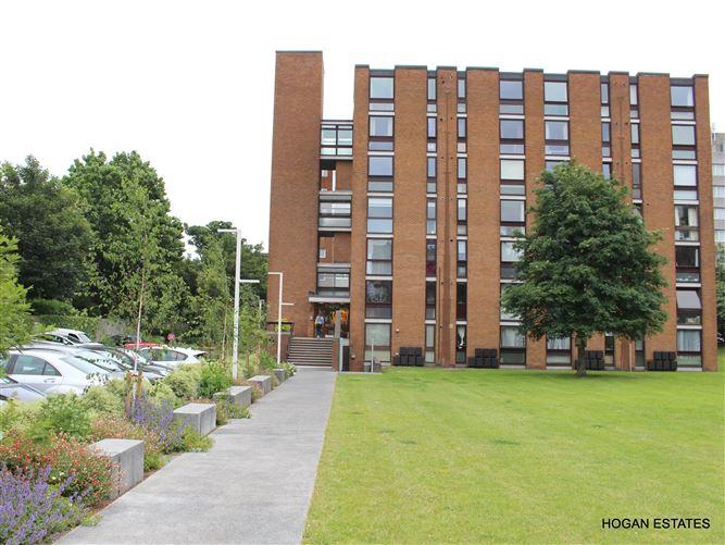 Main image for 10 Rowan House, Ballsbridge, Dublin 4, D04 RK12