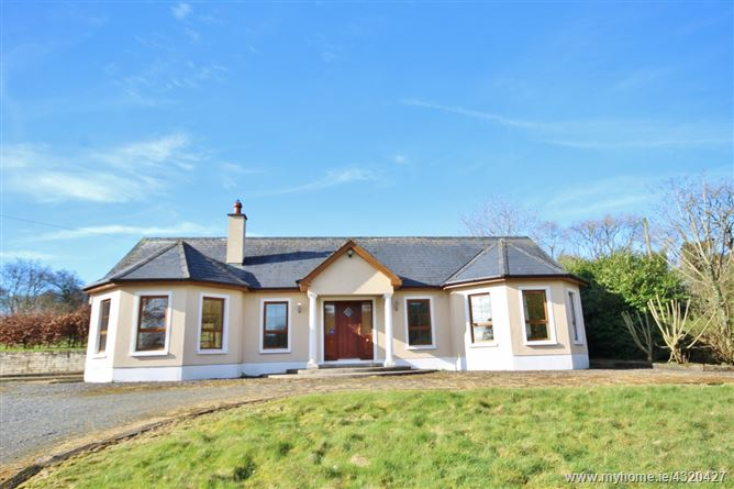 Bungalow on c. 0.5 Acre/ 0.21 Ha., Newtown Park, Blessington, Wicklow