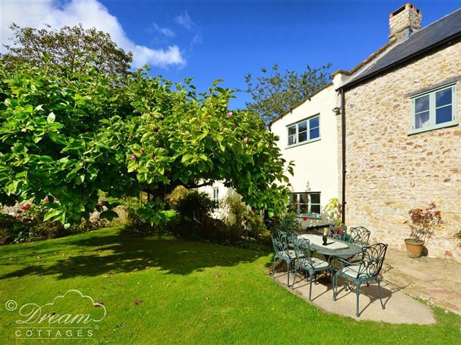 Main image for Valley View Farm Annexe, UPLYME, United Kingdom
