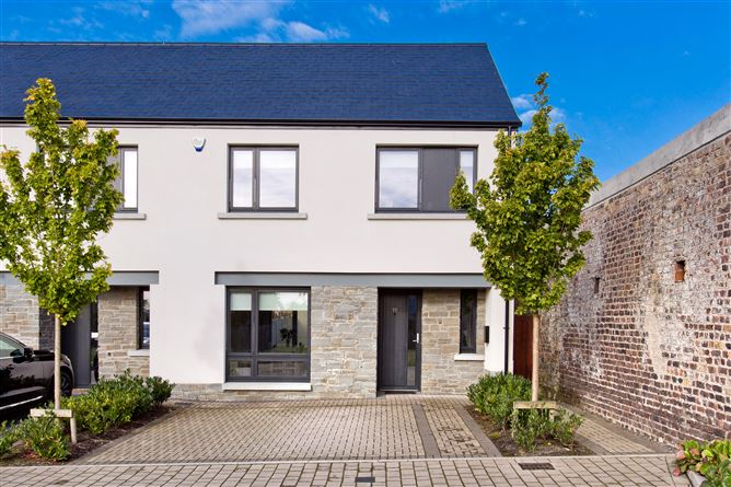 Main image for 77 Diswellstown Manor, Castleknock, Dublin 15