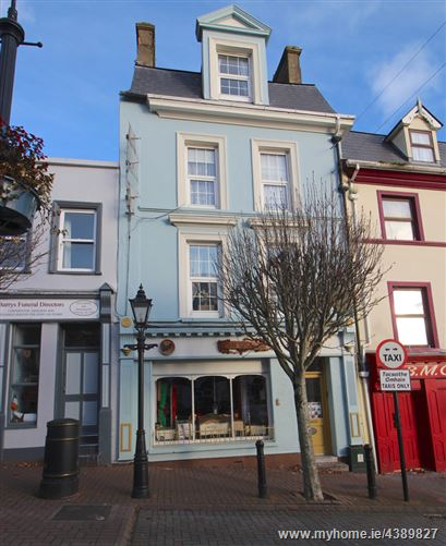 Main image for 14 Pearse Square, Cobh, Cork