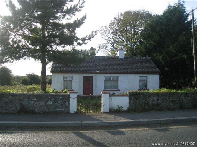 Keenagh Village, Keenagh, Longford