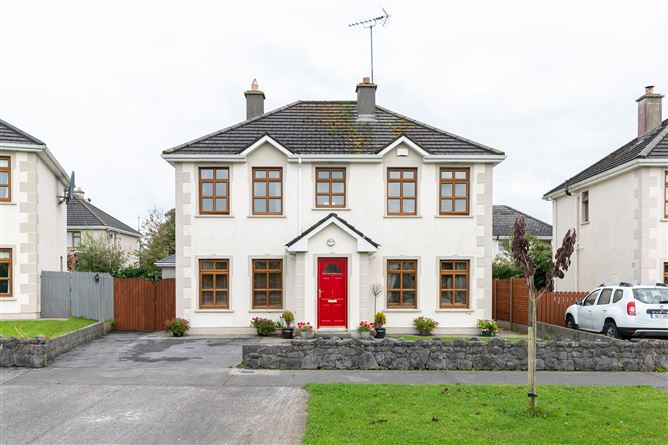 17 Churchfields Estate, Shrule, Mayo