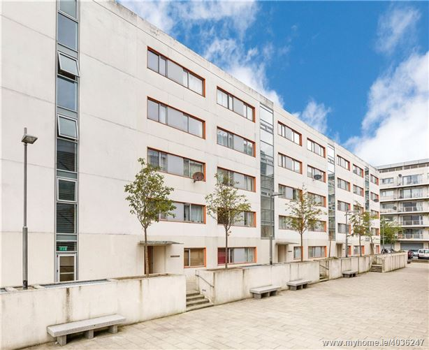 32 The Charter, Santry Cross, Ballymun, Dublin 11