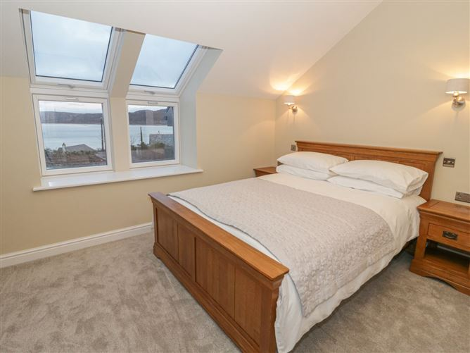 Main image for Yr Hen Stabl,Red Wharf Bay, Anglesey, Wales