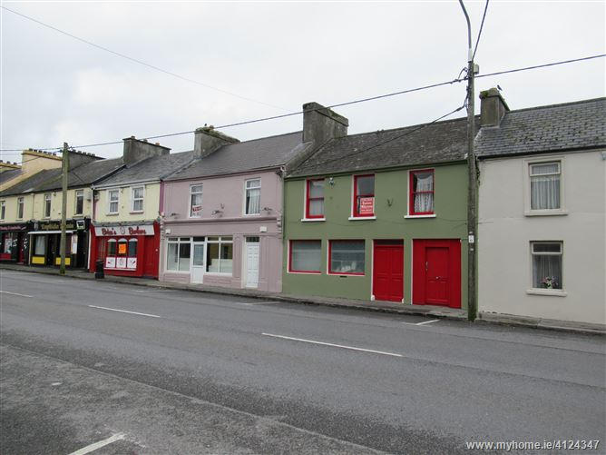 Photo of Linnane's, Main Street, Ballaghaderreen, Roscommon