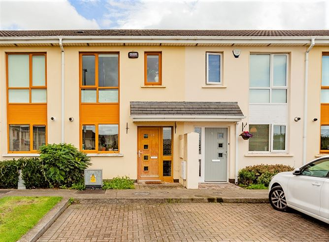 24 Hampton Wood lawn, Finglas,   Dublin 11