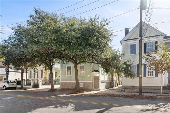 Main image for Up Close And Personal,Charleston,South Carolina,USA