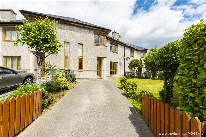 Main image for 65 Hillview Grove, Ballinteer, Dublin 16