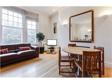 Main image of Grafton Street 2 x Bedroom Holiday Letting, Dublin 2