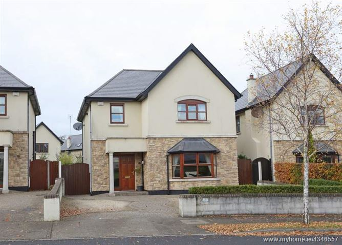 8 The Lawn, Walshestown Park