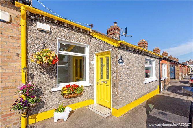 Main image for Tram Cottage, 21 Carysfort Villas, Dalkey, Co Dublin A96 V580