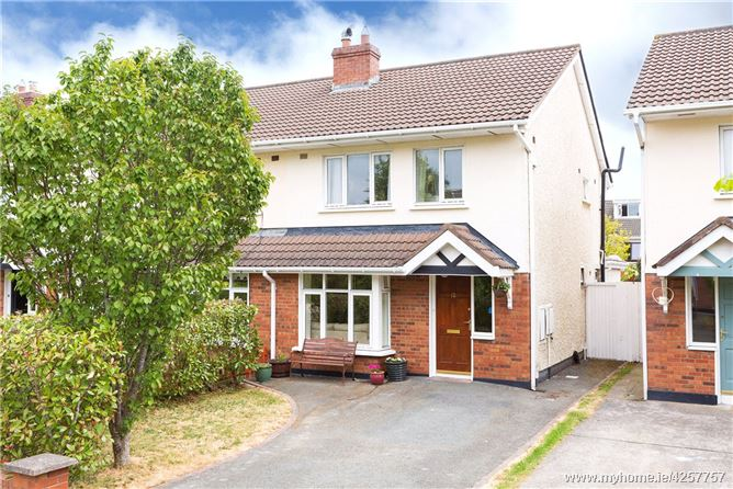 12 Glencairn Grove, The Gallops, Leopardstown, Dublin 18, D18 P7A4