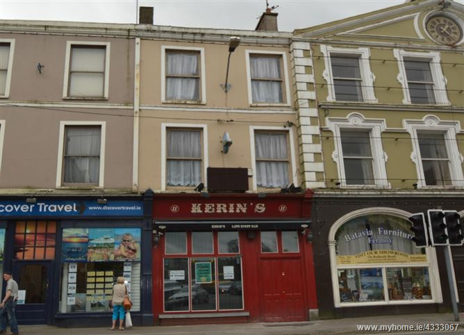Main image for 11 Pearse Square, Fermoy, Cork