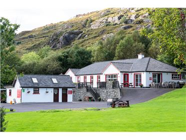 Hungry Hill Lodge & Campsite,