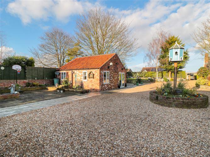 Main image for Rose Tree Cottage, WETWANG, United Kingdom