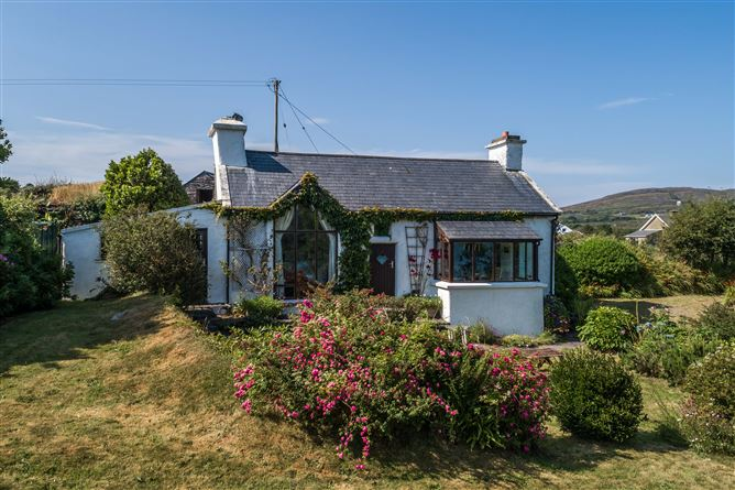 Main image for 'Croagh Bay Cottage' Lowertown, Schull, West Cork