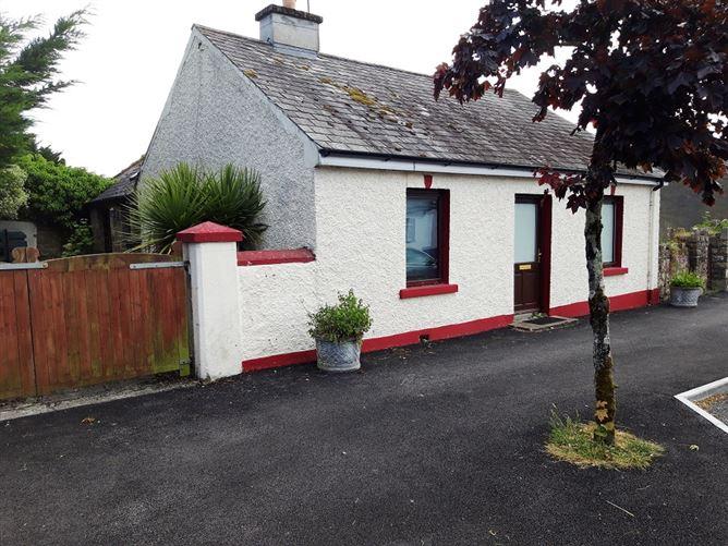 Main image for Mulhaire House, Mountshannon, Clare