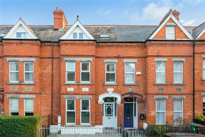 Main image for Carlyle, 18 Oaklands Park, Sandymount, Dublin 4
