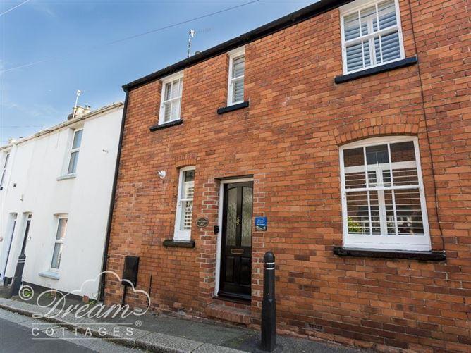 Main image for Pixie Cottage, WEYMOUTH, United Kingdom