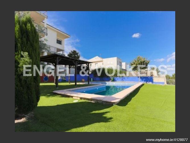 Calle, 46740, Carcaixent, Spain