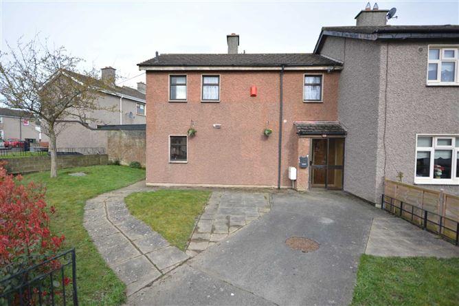 main photo for 35 Dromheath Drive, Mulhuddart, Dublin 15
