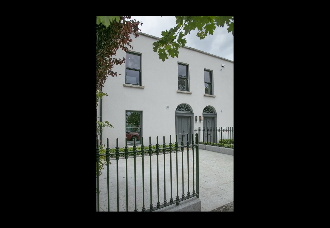 Main image for 17 Serpentine Avenue, Dublin 4, Dublin
