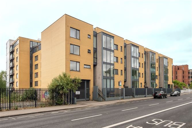 Main image for Apartment 5 Longmeadows, Conyngham Road, Islandbridge, Dublin
