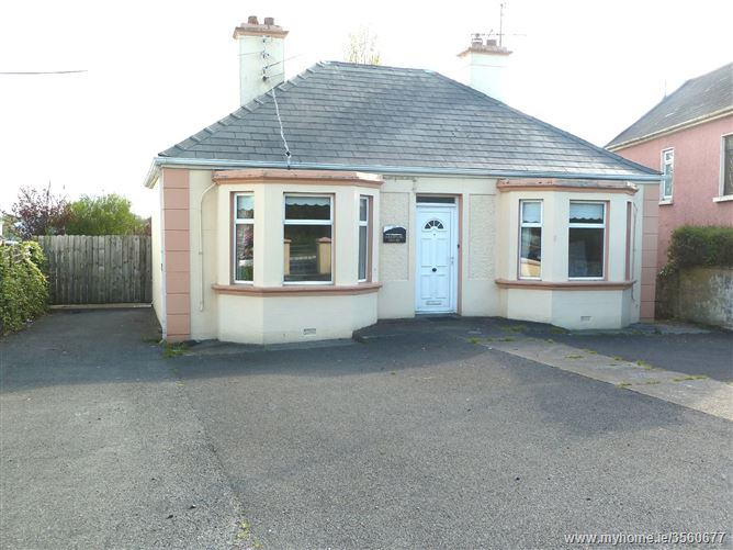 Luddenhill House, Station Road, Castlebar, Mayo