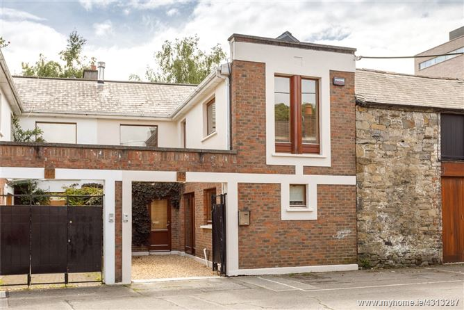 Main image for 42 Baggot Lane, Ballsbridge, Dublin 4, D04 H7F2