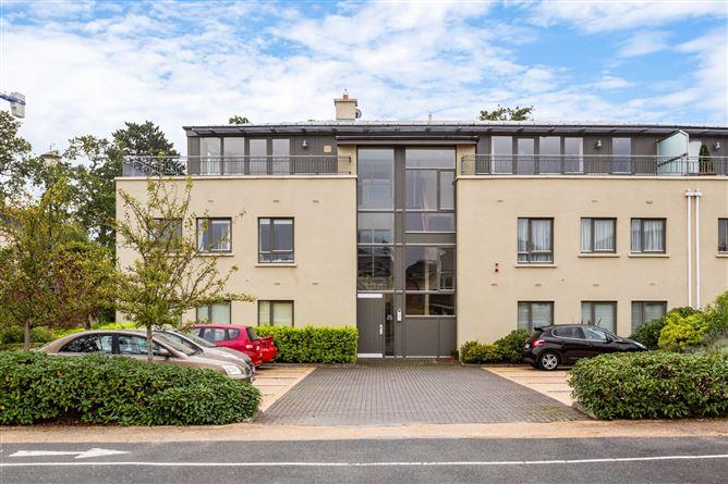 Main image for 18 Yeats Hall,Carrickmines Wood,Brennanstown Road,Dublin 18,D18X2H3