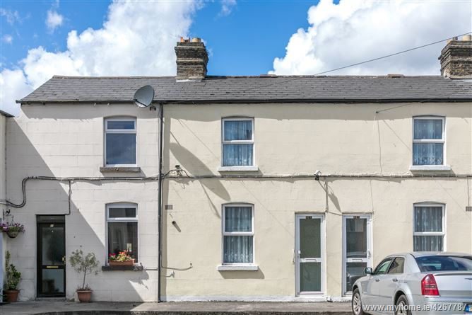 63 Carlingford Parade,, Grand Canal Dk, Dublin 2