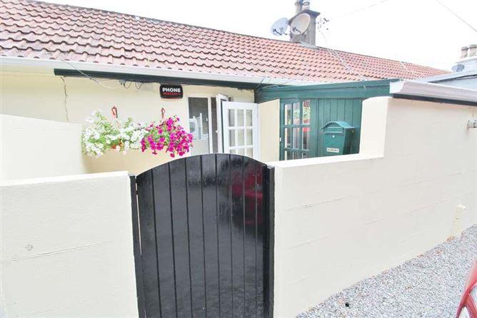 Main image for 10 Brighton Cottages, Brighton Road, Foxrock, Dublin 18