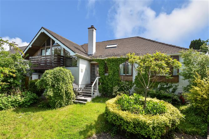 Main image for Stanhope Cottage, 3 Rockbarton Road, Salthill, Galway City, H91 YP46