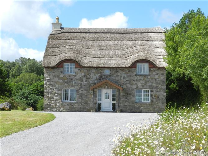 Thatch Cottage, Coolies, Muckross, Killarney, Kerry