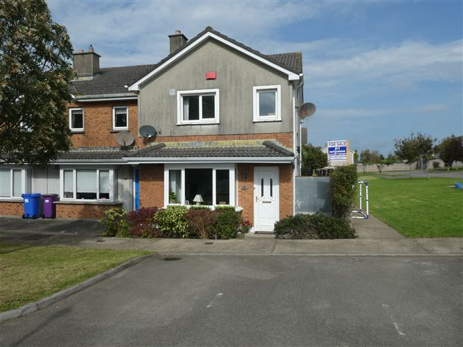 Main image for 52 Chambersland Close, New Ross, Wexford
