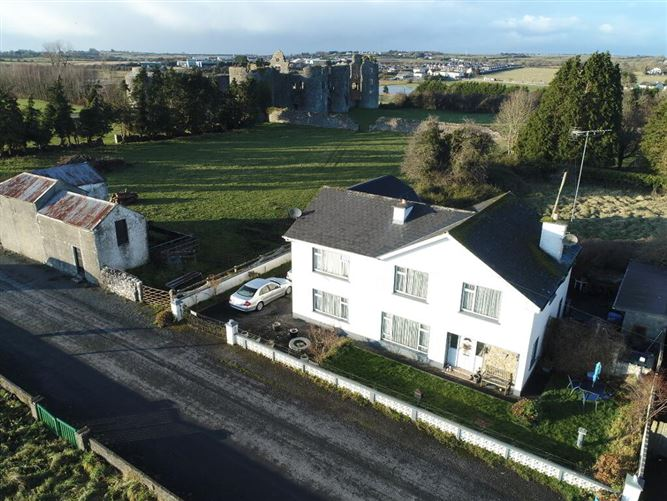Main image for 'Lough Na Neine House', Castle Avenue, Co. Roscommon