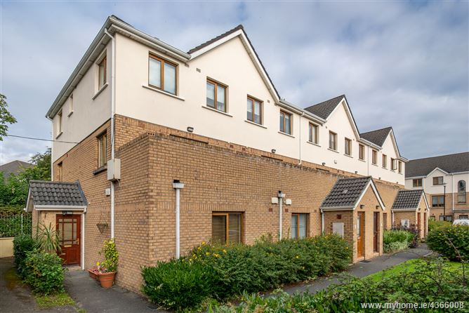 Main image for 39 The Court, Larch Hill, Santry, Dublin 9