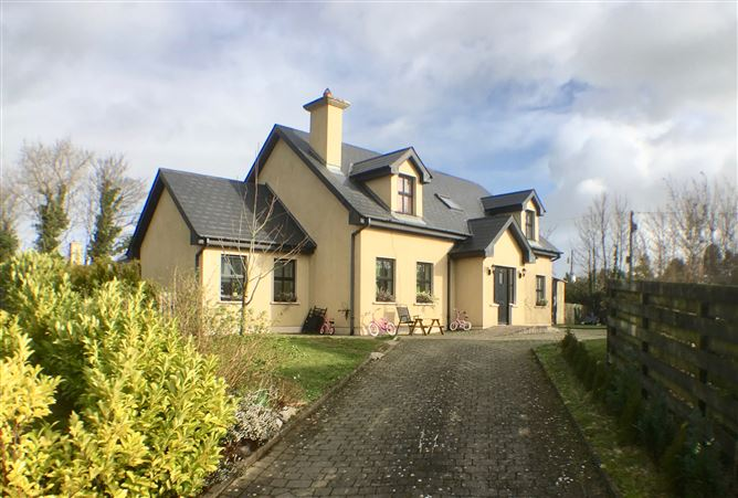 Main image for Rose Hall, Dunmain, New Ross, Wexford