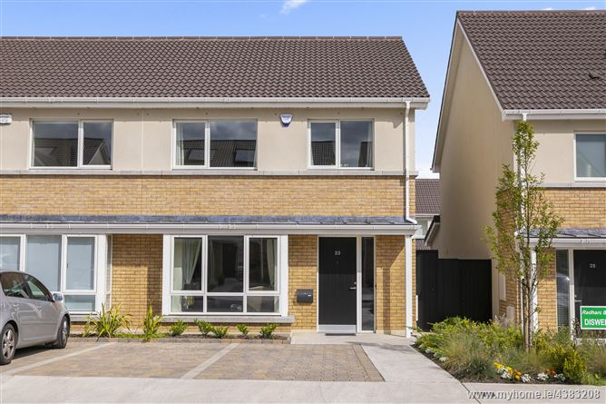 Main image for 23 Diswellstown View, Castleknock, Dublin 15