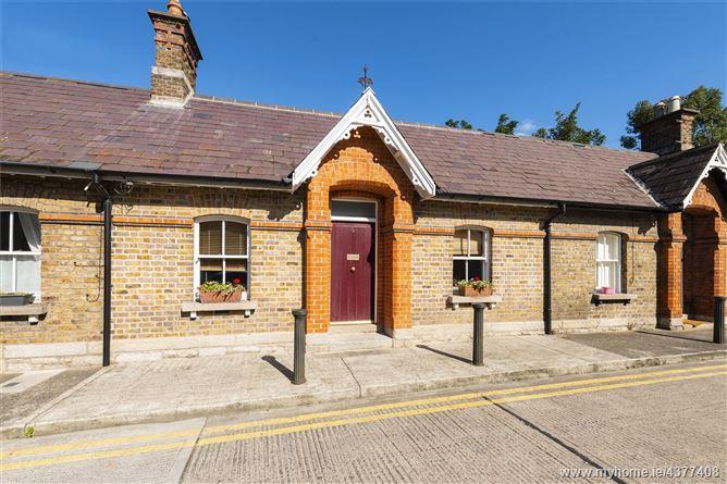 Main image for 4 Estate Cottages, Shelbourne Road, Ballsbridge, Dublin 4