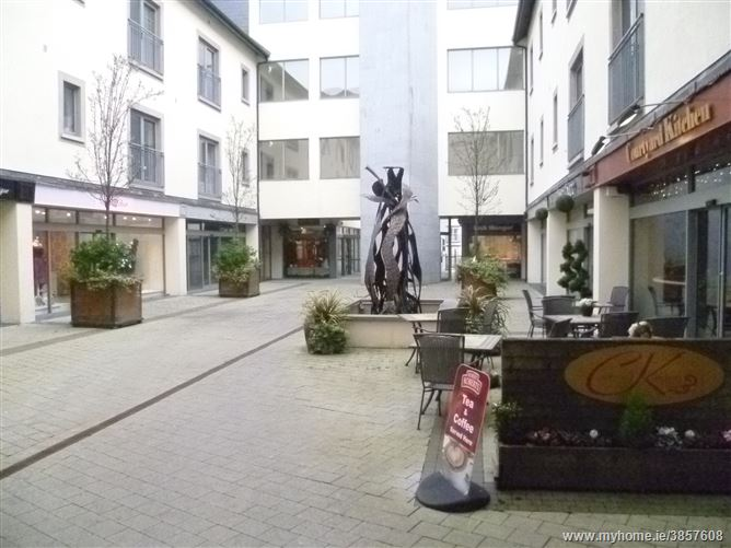 Photo of No.8 Courtyard, Main Street, Carrick-on-Shannon, Leitrim