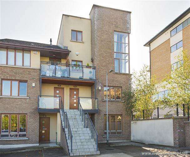 Photo of 2 Belarmine Vale, Stepaside,   Dublin 18