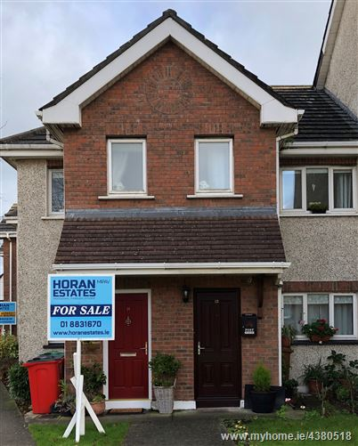 Main image for 14 Charlestown Way, Finglas, Dublin 11