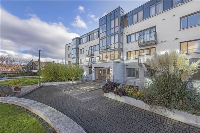 Main image for 144 Parkgate Place, Park Gate Street, Islandbridge, Dublin 8