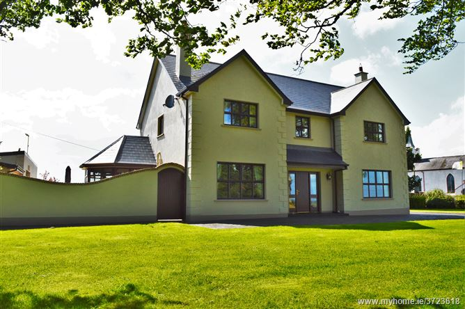 Rathmore, Four Mile House, Roscommon