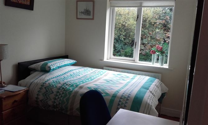 Main image for Lovely comfortable Dbl Bedroom, Templeogue, Dublin 16