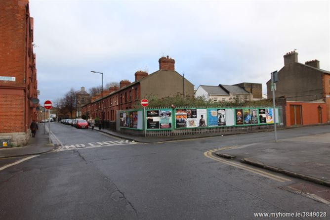 Photo of 18/19 South Earl Street, corner of Thomas Court, South City Centre - D8, Dublin 8