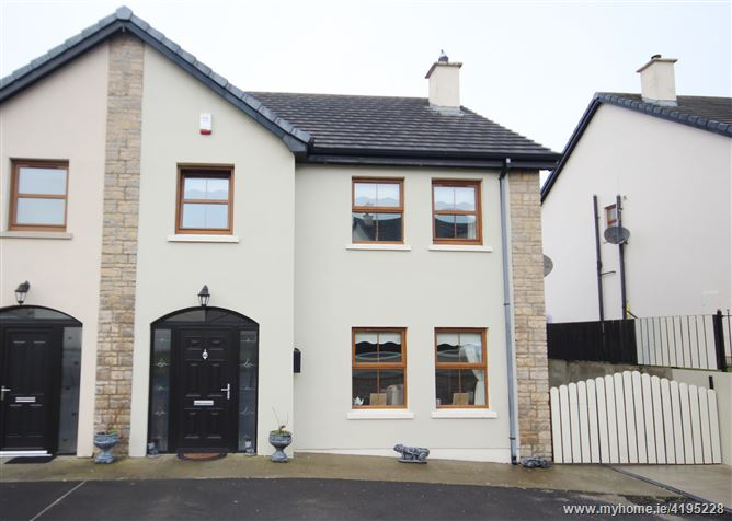 21 Ard Caoin, Manorcunningham, Donegal
